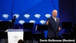 کلاوس شواب، بنیانگذار همایش جهانی اقتصاد، در افتتاحیه پنجاهمین اجلاس داووس در سوئیس