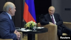 Александр Лукашенко мен Владимир Путин Сочиде. 29 мамы 2021 жыл.