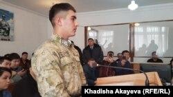 Сотрудник пограничной службы Фархат Алишерулы в зале суда. Зайсан, Восточно-Казахстанская область, 6 января 2020 года.