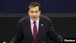 Georgian President Mikheil Saakashvili told the European Parliament in Strasbourg he was prepared for direct talks with the Kremlin.