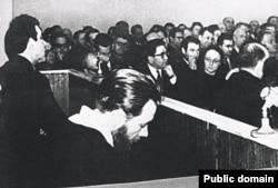 Суд над писателями Андреем Синявским и Юлием Даниэлем