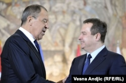 Serbian Foreign Minister Ivica Dacic (right) with his Russian counterpart Sergei Lavrov (file photo)