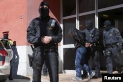 Арест подозреваемых в терроризме. Барселона, июнь 2016 года
