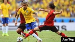 Pamje nga takimi ndërmjet Brazilit dhe Meksikës 1:1