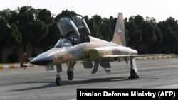 Aeroplani luftarak i ndërtuar në Iran.