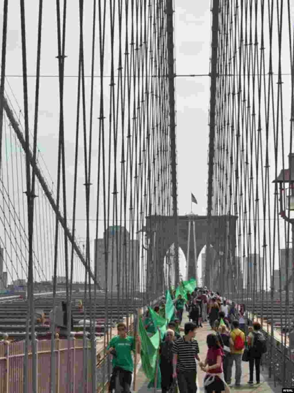 پل بزرگ بروکلین در نیویورک، شهر محل ساختمان سازمان ملل