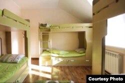 Спальные комнаты в Almaty Backpackers