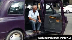 İqtisadçı Əli Əhmədov: 'Son bir neçə ildə taksi bazarında rəqabət qızışıb'