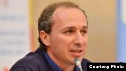 Stanislaw Sekriýeru, syýasy analist.