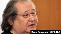 Болат Атабаев, азаматтық қоғам белсендісі, режиссер. Алматы, 16 сәуір 2012 жыл.