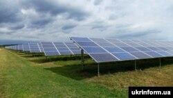 За даними Держенергоефективності, проєкти з відновлюваної енергетики дозволяють скоротити викиди вуглецю в атмосферу на близько 9,2 тонни щороку
