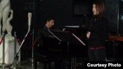 Сопранистката Гонца Богоромова и на пијанистот Андреј Наунов.