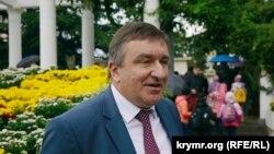 Юрий Плугатарь