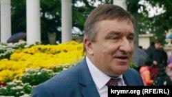 Юрій Плугатар