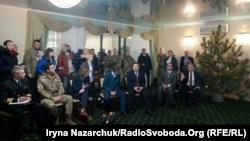 Министры обороны Украины и Великобритании встретились с родственниками пленных моряков в Одессе, 21 декабря 2018 год