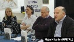 Slijeva nadesno: Smiljana Vovna, fra Drago Bojić, fra Ivan Šarčević i Senad Pećanin