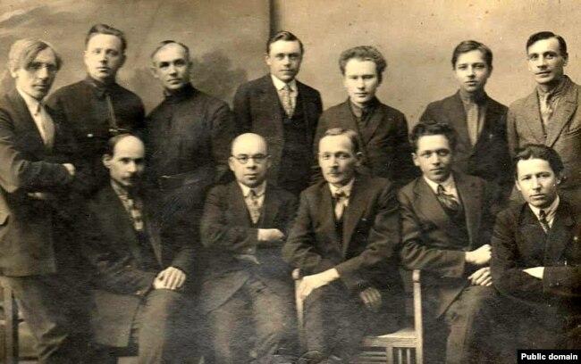 Анатоль Вольны сярод беларускіх пісьменьнікаў. 1936 год