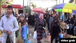 Рынок в Душанбе.