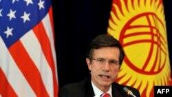 Роберт Блейк, помощник государственного секретаря США по делам Южной и Центральной Азии. Бишкек, 17 января 2013 года.