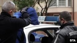22-годишният Кристиан Николов е задържан за 72 часа, а прокуратурата поиска постоянното му задържане под стража. По време на катастрофата, довела до смъртта на Милен Цветков, Николов е управлявал автомобила си под въздействието на наркотици