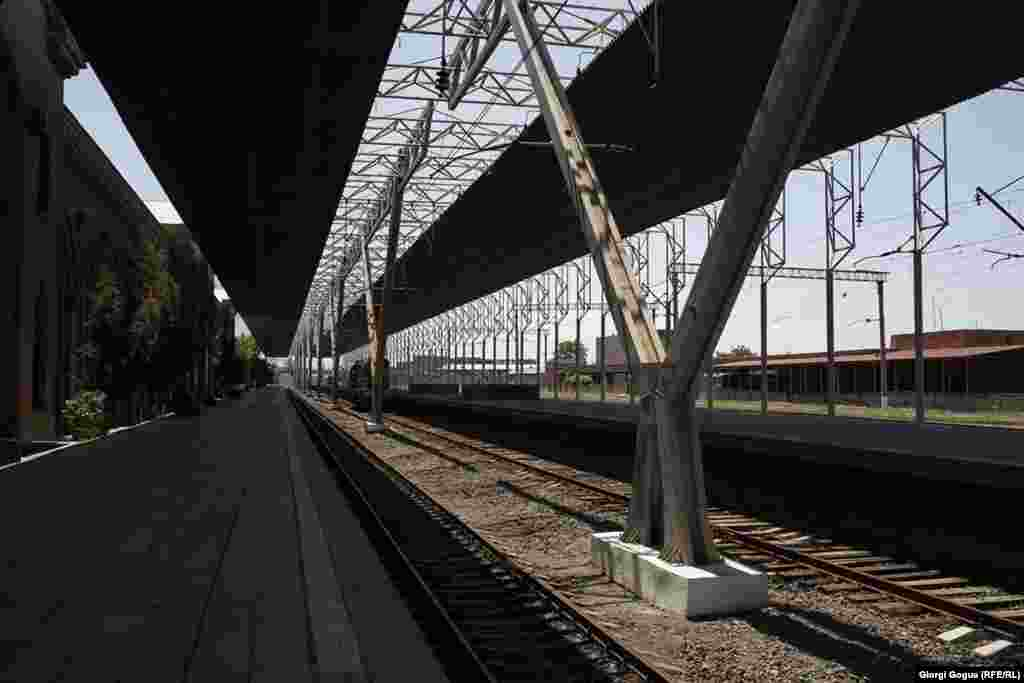 Train stations in Yerevan and across the country fell silent on May 2 after railway workers went on strike.