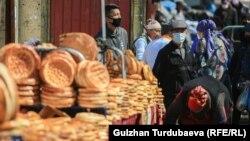 Ошский рынок в Бишкеке, иллюстративное фото.