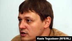 """Игорь Винявский, главный редактор газеты """"Взгляд"""". Алматы, 19 мая 2011 года."""