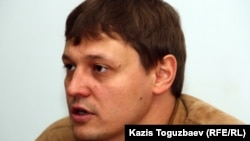 """""""Взгляд"""" газетінің бас редакторы Игорь Винявский. Алматы, 19 мамыр 2011 жыл."""