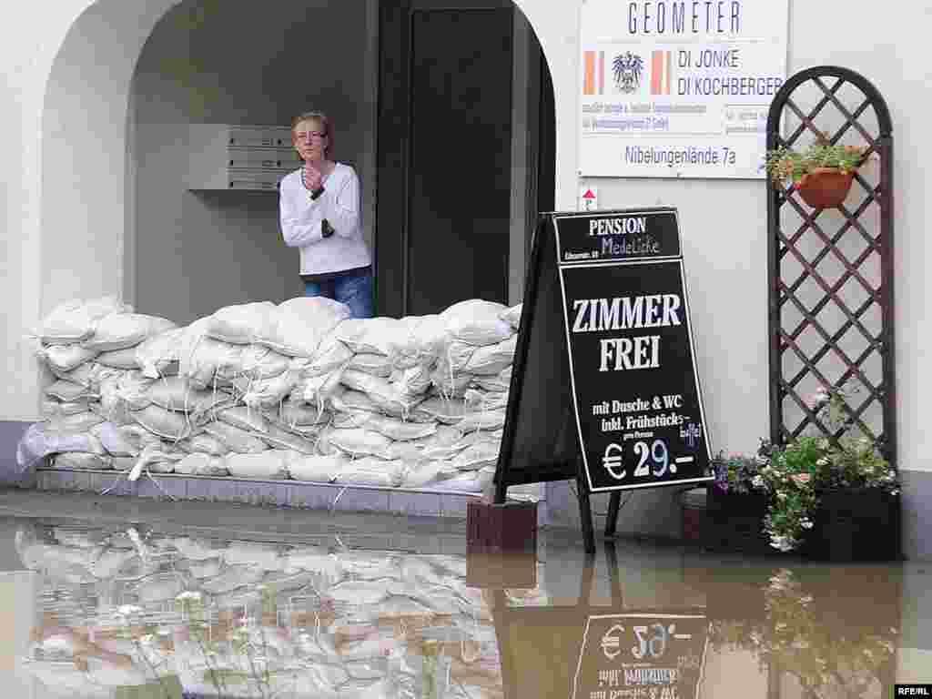 Сильны дожди вызвали наводнение в регионе Мельк, Австрия