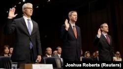 Colin Stretch (Facebook), Sean Edgett (Twitter) və Richard Salgado (Google) Senatda sorğu-sual olunublar