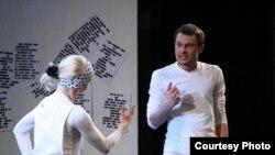 """Актор тэатру і кіно Віталь Краўчанка. Спэктакль """"Піць, сьпяваць, плакаць"""""""