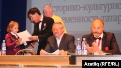 Иң яшь чыгыш ясаучы 12 яшьлек Әдилә Кудашевага мактау кәгазе тапшырылды
