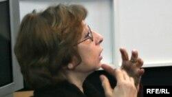 Лия Ахеджакова призывает власть прислушаться к мнению людей с незапятнонной репутацией и проявить милосердие