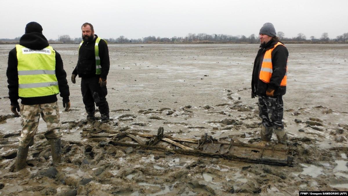 В пруду возле Освенцима найдены обломки бомбардировщика Ил-4