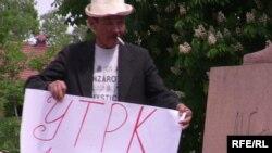 RFE/RL supporters in Bishkek