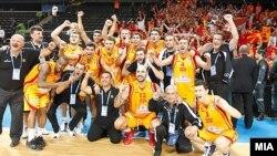 Македонската репрезентација по победата над Литванија во четвртфиналето на ЕП.