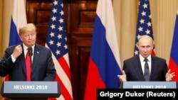 Дональд Трамп і Володимир Путін перший двосторонній саміт провели 16 липня в Гельсінкі