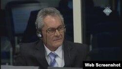 Mile Ujić svjedoči na suđenju Karadžiću
