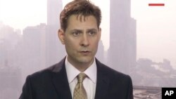 مایکل کووریگ به عنوان مشاور گروه بینالمللی بحران در چین اقامت داشت.