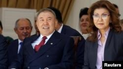 Нурсултон Назарбоев бо духтараш Дариға Назарбоева