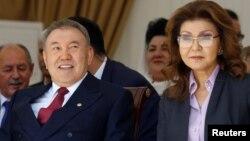 Қазақстан президенті Нұрсұлтан Назарбаев қызы Дариға Назарбаевамен бірге.