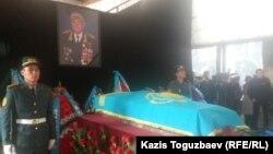 Талғат Бигелдиновпен қоштасу рәсімі. Алматы, 12 қараша 2014 жыл.
