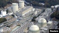 Reaktorske zgrade u nuklearnoj elektrani Kansai Elektric Pauer u Takahami