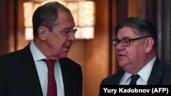 Министр иностранных дел России Сергей Лавров (л) и его финский коллега Тимо Сойни, Москва, февраль 2019 год