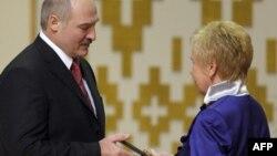 Лідзія Ярмошына на цырымоніі інаўгурацыі Аляксандара Лукашэнкі, 2011 год