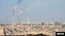 میدان نفتی در جزیره خارک، عکس تزئینی است