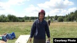 За 16 год Аляксей толькі пару разоў прыяжджаў у Беларусь