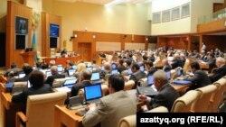 Заседание мажилиса парламента Казахстана.