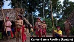 Ples Janomami Indijanaca u Amazonu