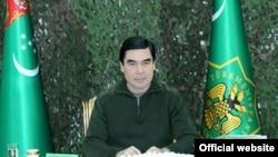 Prezident Gurbanguly Berdimuhamedow Döwlet howpsuzlyk geňeşini geçirýär. 2-nji aprel, 2014.
